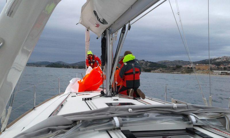 Sturmfock setzen beim Skippertraining